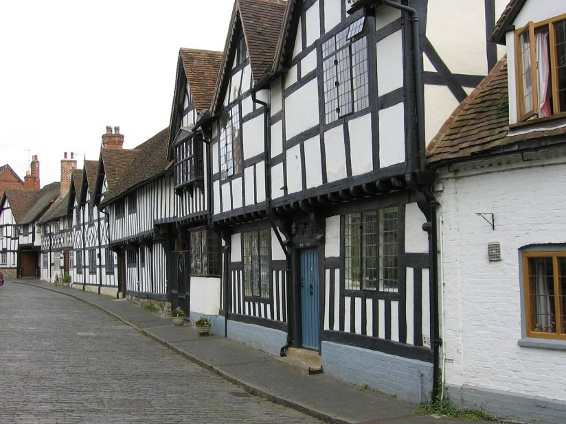 stratford upon avon singles Looking for love in stratford-upon-avon well you've found the right site to help you find that special someone the team at smooch work tirelessly to.