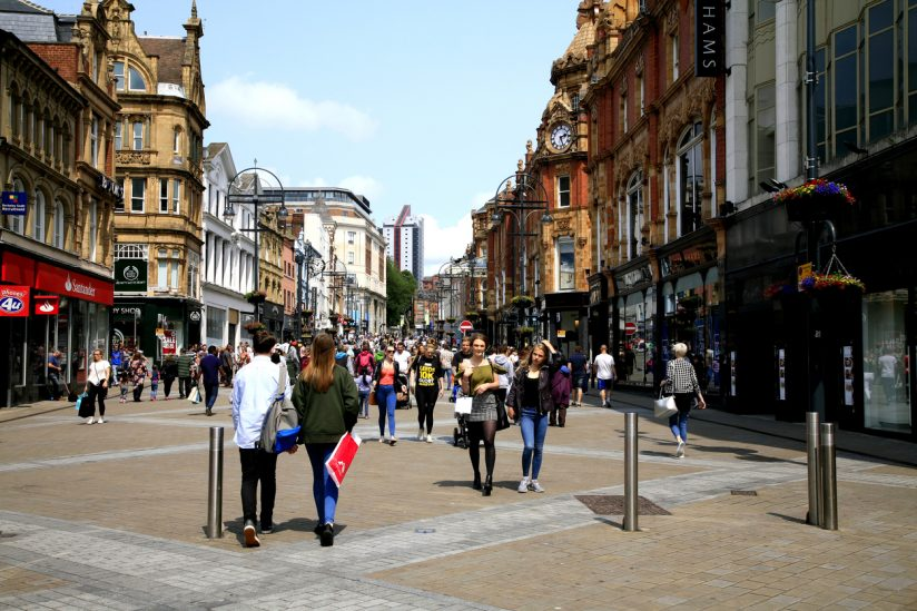 Leeds-shopping-824x549.jpg (824×549)